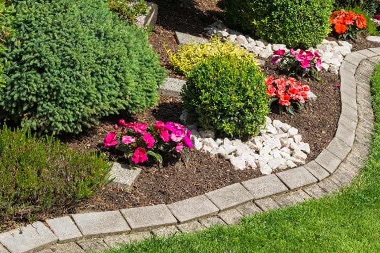 Stone Garden Edging Ideas [Step-By-Step Guide & Pictures]