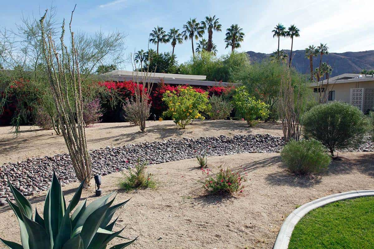 Large front yard for water conservation