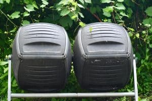 Read more about the article 6 Best Compost Starters For Your Tumbler